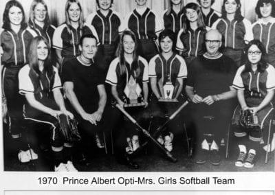 1970 Prince Albert Opti-Mrs. Softball – Team